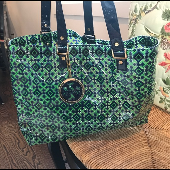 Tory Burch Handbags - Tory Burch Clear and Printed Tote